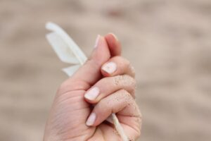 EFFECTIVE BEAUTY TRICKS FOR DAMAGED AND DRY NAILS