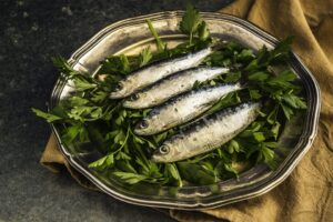 HOW TO STRENGTHEN YOUR NAILS WITH OMEGA 3 FATTY ACIDS