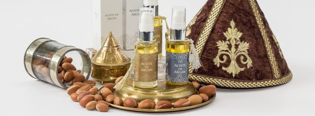 Argan oil with a Moroccan decoration